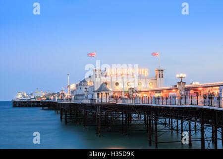 Palace Pier (jetée de Brighton), Brighton, Sussex, England, UK Banque D'Images