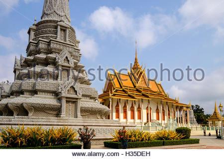 Pagode d'argent à l'intérieur du Palais Royal, en date du 19e siècle, Phnom Penh, Cambodge Banque D'Images