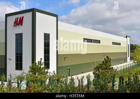 Nouvelle entreprise de vêtements H&M sur l'entrepôt de distribution Rugby Gateway Development de l'établissement Banque D'Images
