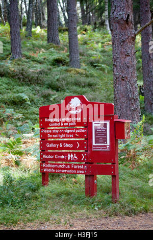 Rothiemurchus garde située sur le trajet autour de loch Loch an Eilein et le Rothiemurchus Forest, Ecosse, Royaume Banque D'Images