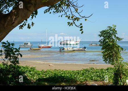 Des bateaux de pêche, Dili, Timor Leste