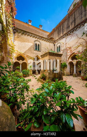 La Villa Cimbrone est un bâtiment historique de Ravello, sur la côte amalfitaine en Italie. Banque D'Images