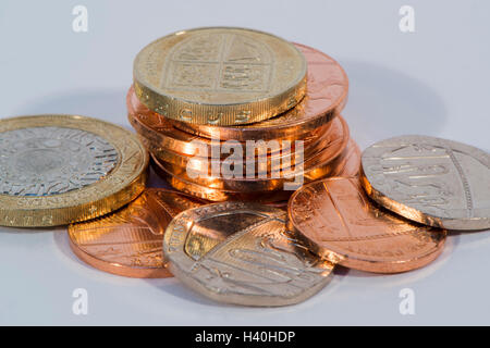 Libre de l'argent sterling britannique actuelle - pièces dans diverses dénominations, en cuivre et d'argent - £2, Banque D'Images