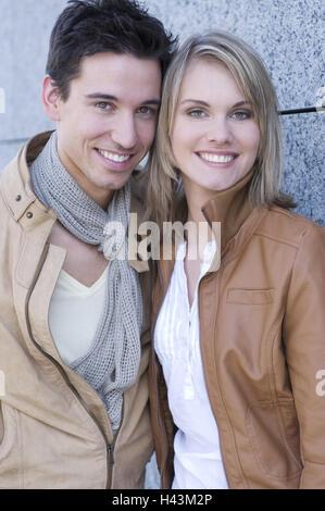 Couple, jeune, à l'extérieur, portrait, Banque D'Images