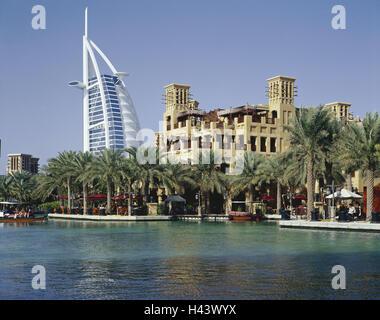 Emirats arabes unis, dubaï, Madinat Jumeirah, Burj Al Arab hotel, restaurants, canal, VAE, ville, l'architecture, Banque D'Images