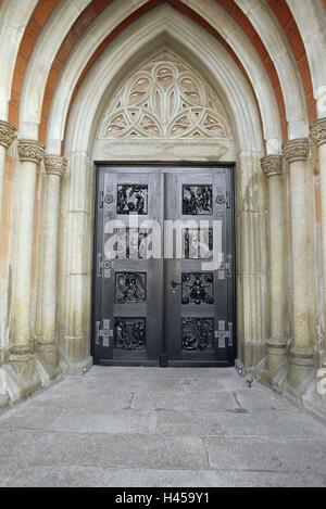 Allemagne, Bavière, Haute-Franconie, cour, entrée, porte, portail principal, principale église Saint-Michel, à, Banque D'Images