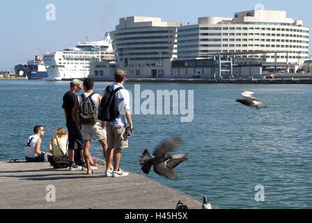 Espagne, Catalogne, Barcelone, Port Vell, Rambla del Mar, vue, Moll de Barcelona, World Trade Center, les passants,