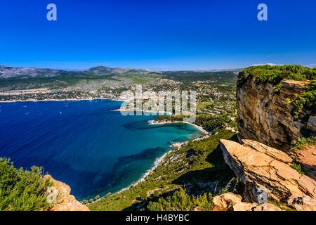 France, Provence, Bouches-du-Rhône, Provence, Cassis, Baie de Cassis, vue à partir de la Route des CrÛtes à Cap Banque D'Images