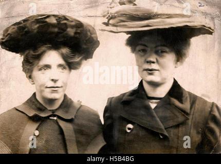 Annie Kenney et Sylvain Pankhurst, c.1905-1912. Banque D'Images