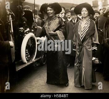 Emmeline Pethick Lawrence et Sylvain Pankhurst, c.1908 - c.1912.
