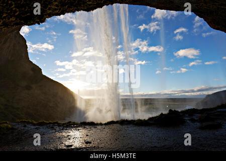 Cascade de Seljalandsfoss, Sud de l'Islande, de l'Atlantique Nord, Europe Banque D'Images