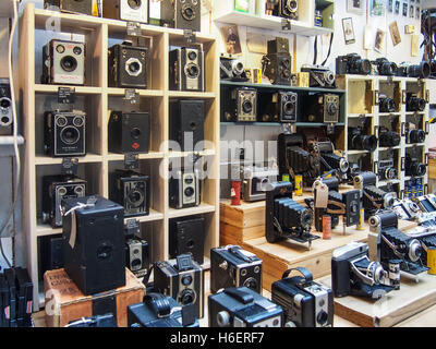 Ancienne collection d'appareils photo numériques Banque D'Images