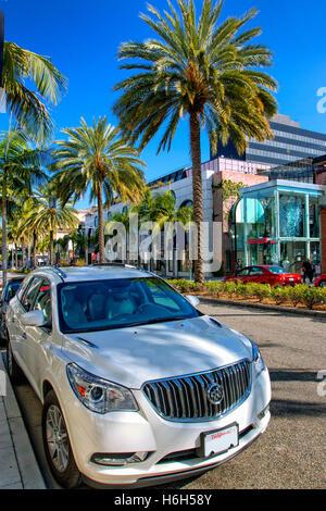 Bateau Voiture garée sur Rodeo Drive, Beverly Hills, Los Angeles Banque D'Images