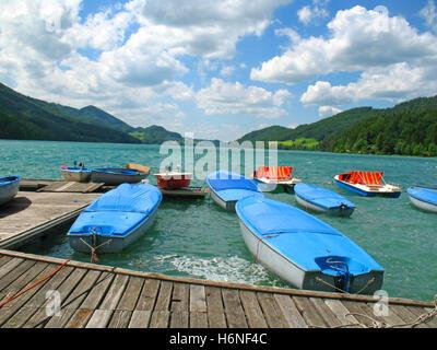 Location de bateaux sur le lac de Fuschl Banque D'Images