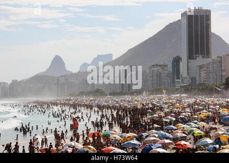 Rio de Janeiro, Brésil, novembre 02, 2016: l'été débute officiellement au Brésil que le 21 décembre, mais les plages Banque D'Images