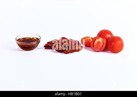 Tomates séchées cuit pour les tomates séchées, les tomates séchées au soleil avec des épices pour la cuisine italienne