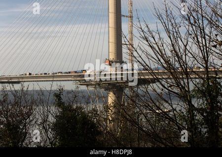 Queensferry, Edinburgh, Ecosse, 11 septembre, novembre, 2016. Forth Bridges. La 2ème rue pont est presque terminée, et cette photo illustre les travaux de construction et d'assemblages de la jetée du Nord. Phil Hutchinson/Alamy Live News