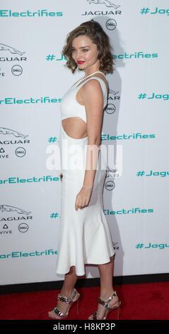 Los Angeles, USA. 14Th Nov, 2016. Miranda Kerr assiste à la prochaine ère de dévoilement du véhicule Jaguar au Studios du lait le 14 novembre 2016 à Los Angeles, Californie Crédit: l'accès Photo/Alamy Live News Banque D'Images
