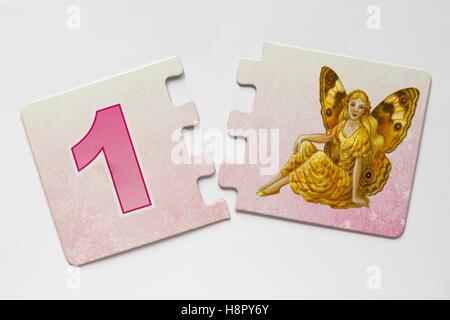 Shirley Barber's Fairies Nombre Match jigsaw puzzle pieces - Numéro 1 Banque D'Images