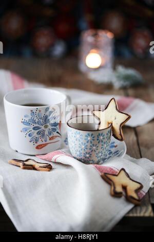 Tasse à thé et biscuits Banque D'Images