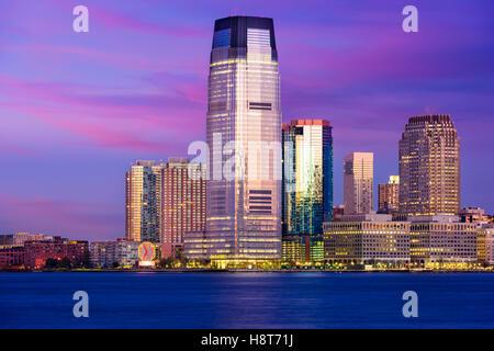 Lieu d'échange, Jersey City, New Jersey, USA Skyline sur la rivière Hudson. Banque D'Images