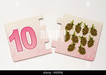 Shirley Barber's Fairies Nombre Match jigsaw puzzle pieces - Numéro 10 Banque D'Images