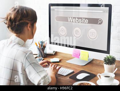 Site Web Search Bar Globe joueur icône nuage Concept Banque D'Images