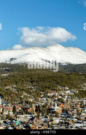 Le mont Chauve couverte de neige et de Breckenridge, Colorado USA