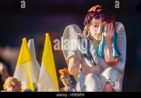 De l'affichage de Windows pour stocker les articles religieux, la foi catholique boutique, Czestochowa, Pologne Banque D'Images