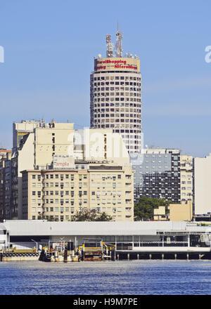 Brésil, État de Rio de Janeiro, vue sur la baie de Guanabara à Niteroi. Banque D'Images