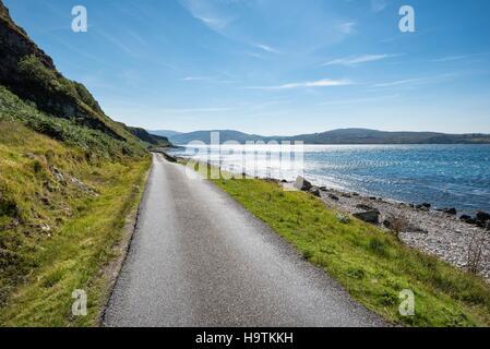Station road, route principale sur l'île de Jura en le son d'Islay, l'île de Jura, Hébrides intérieures, Ecosse, Banque D'Images