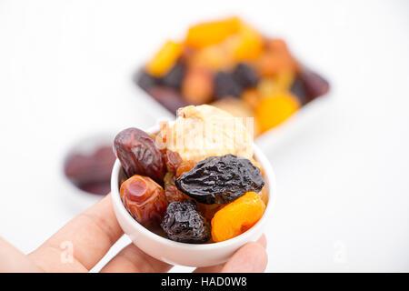 Par contre les musulmans du ramadan collection présentant des fruits secs Banque D'Images