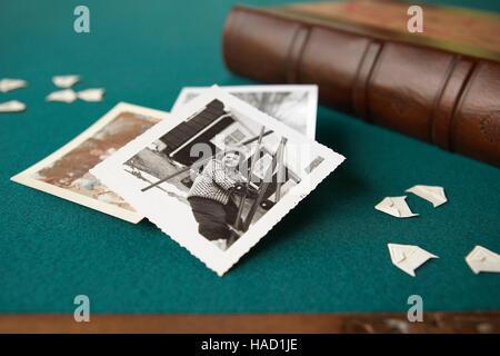 Scrap book photo avec photos vintage Banque D'Images