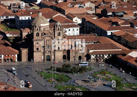 Vue sur la Plaza de Armas avec la Compagnie de Jésus, La Compañía de Jesús, Cusco, Pérou, Amérique du Sud Banque D'Images