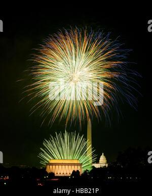 D'artifice au-dessus de Washington DC le 4 juillet Banque D'Images