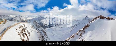 Montagnes ski resort Sölden Autriche Banque D'Images