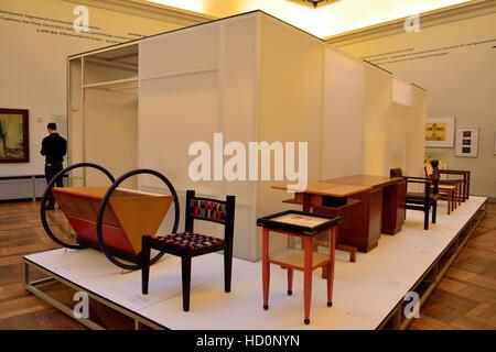 Photo Jens Kalaene Intrieur Du Muse Du Bauhaus Weimar Avec Muse Prsente Un  Mobilier Design Bauhaus.
