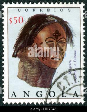 ANGOLA - circa 1976: timbre imprimé en Angola présente le masque de Diquiche, vers 1976 Banque D'Images