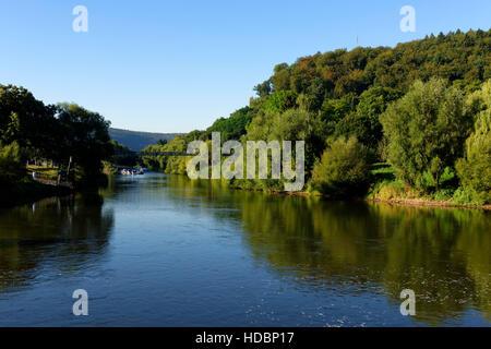 Hann. Münden: Jonction de la rivière Werra (à gauche) et de la rivière Weser, à Fulda Weser Uplands, Basse-Saxe, Allemagne
