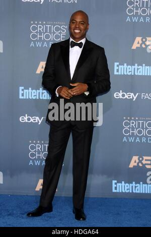 Santa Monica, Californie, USA. Dec 11, 2016. Kevin Frazier aux arrivées à la 22e Critics' Choice Awards - Partie Banque D'Images