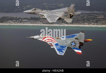 Une russe peint conçu MiG-29 piloté par Luftwaffer allemand pilot Le Lieutenant-colonel (lcol) Tom Hahn, commandant Banque D'Images
