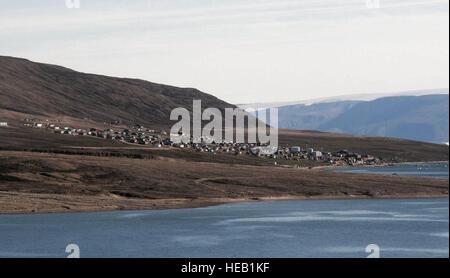 Les membres de la Base aérienne de Thulé, au Groenland, a appuyé une évacuation médicale à la mi-juin pour une femme Banque D'Images