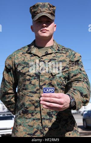 311c67d7f0954 L'agent de police de Los Angeles d'un insigne au cours de la 84e ...