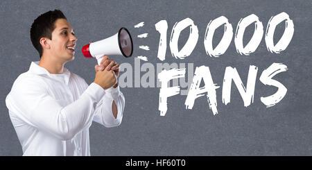 10000 fans aime dix mille médias réseau social jeune homme mégaphone mégaphone Banque D'Images