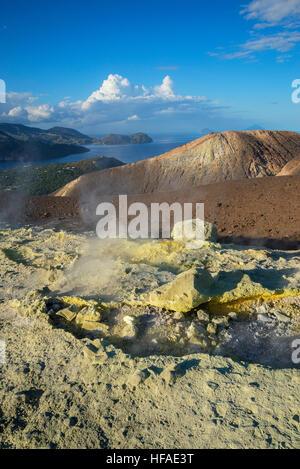 Gran cratère, île de Vulcano, Îles Éoliennes, UNESCO World Heritage Site, Sicile, Italie, Banque D'Images