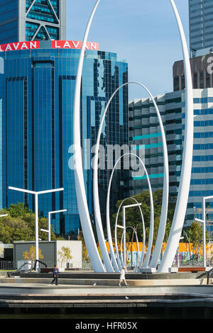 Le Spanda sculpture à Elizabeth Street, Perth, Western Australia, Australia Banque D'Images