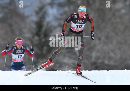 Oberstdorf, Allemagne. Jan 04, 2017. Nicole Fessel skis de l'Allemagne pendant la poursuite au cours de la SIF Tour Banque D'Images