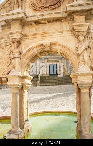 Fuente de Santa Maria, fontaine de la Renaissance dans la province de Jaen, Baeza, Andalousie, Espagne Banque D'Images