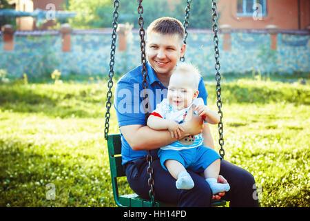 Père jouant avec cute toddler Banque D'Images