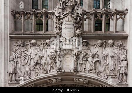 Cour suprême du Royaume-Uni, Angleterre, Ecosse, Pays de Galles et en Irlande du Nord, Londres, UK, frise sur l'entrée Banque D'Images